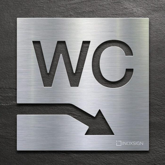 Edelstahl WC-Schild mit Pfeil nach rechts unten - selbstklebendes Toiletten-Schild für Keller - Piktogramm für Toilette - INOXSIGN